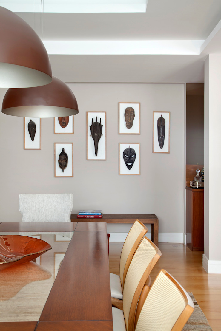 Eclectic style dining room by Da.Hora Arquitetura Eclectic