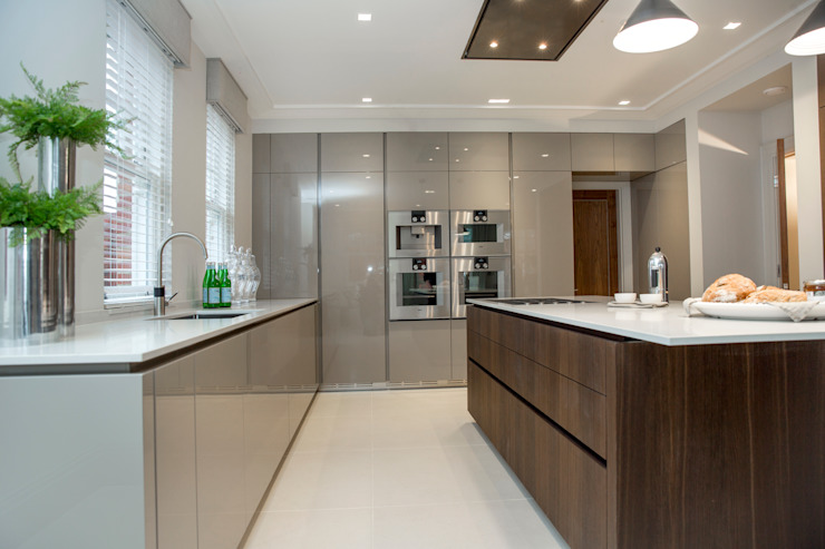 The Cloisters, Stanmore Modern kitchen by Cococucine Modern