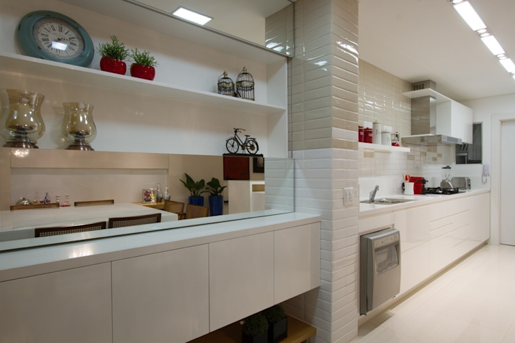 Moderne Küchen von Estúdio Kza Arquitetura e Interiores Modern