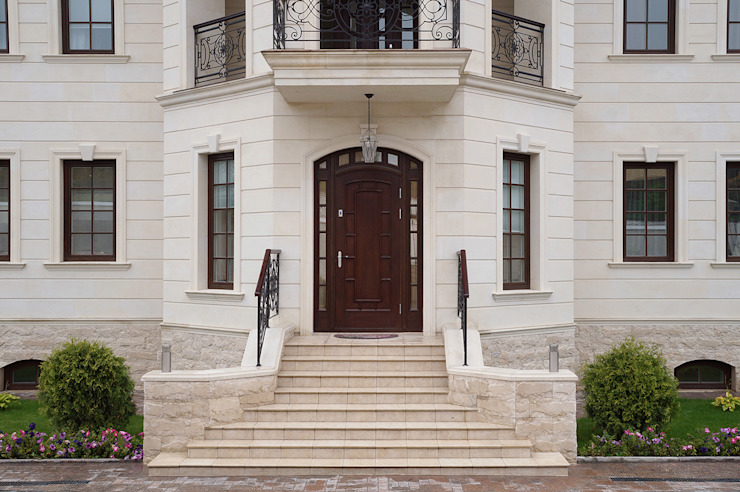 Частный дом на 800м2 Окна и двери в классическом стиле от Архитектурная студия Классический