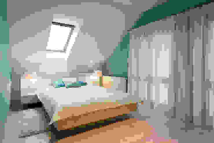 Realizacja projektu domu 160 m2 pod Krakowem Nowoczesna sypialnia od Lidia Sarad Nowoczesny