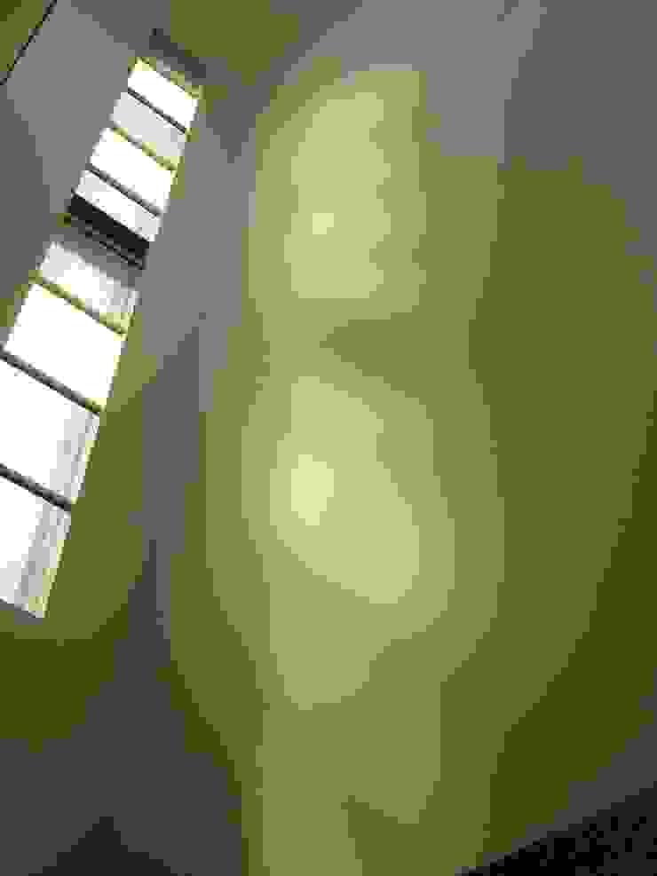 k house モダンな 窓&ドア の suz-sas モダン