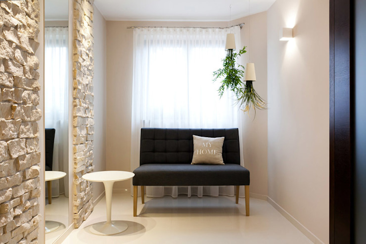 Realizacja projektu domu 160 m2 pod Krakowem od Lidia Sarad Nowoczesny