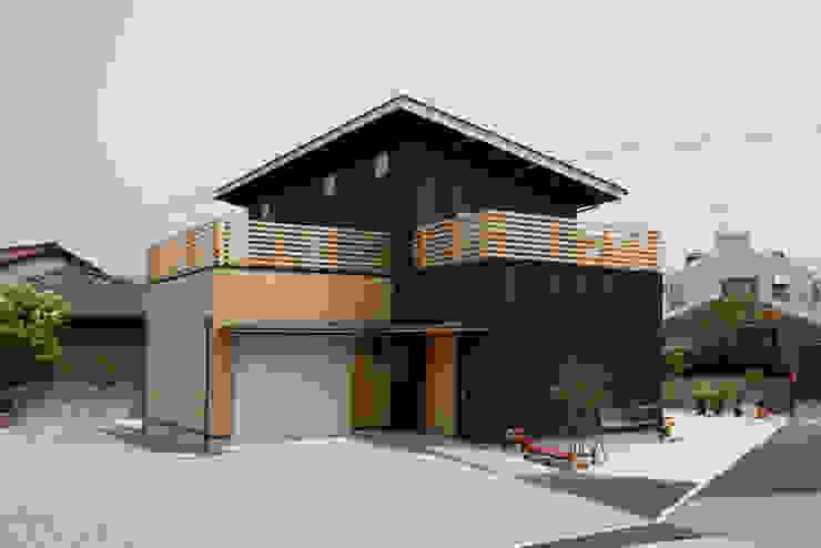 現代房屋設計點子、靈感 & 圖片 根據 有限会社クリエデザイン/CRÉER DESIGN Ltd. 現代風