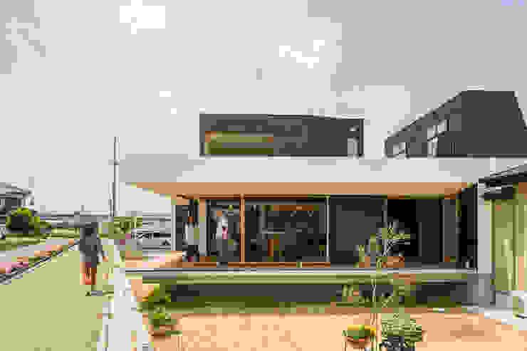 Industriële huizen van murase mitsuru atelier Industrieel