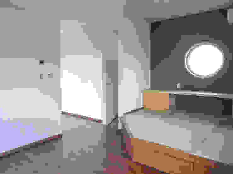 たたみスペース 和風デザインの 多目的室 の 高嶋設計事務所/恵星建設株式会社 和風