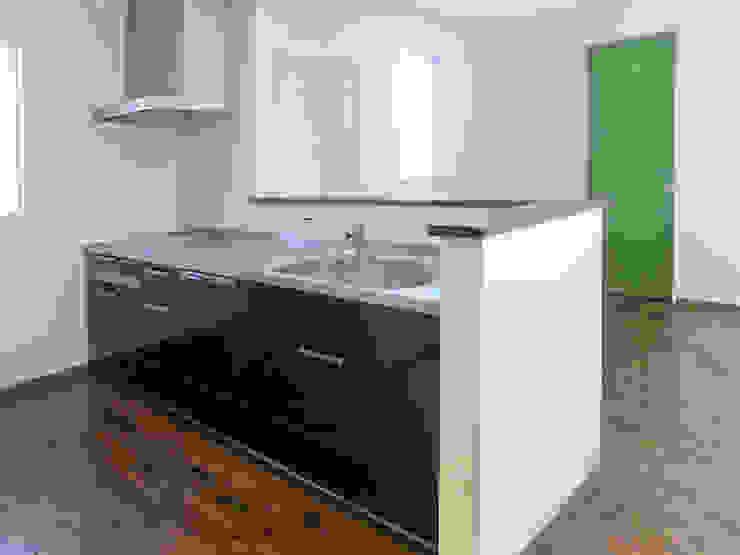 キッチン 北欧デザインの キッチン の 高嶋設計事務所/恵星建設株式会社 北欧