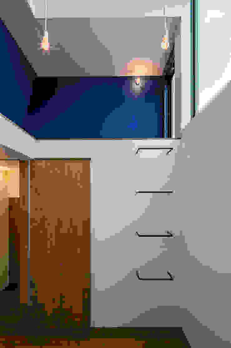 ふたつの芽 インダストリアルデザインの 子供部屋 の murase mitsuru atelier インダストリアル