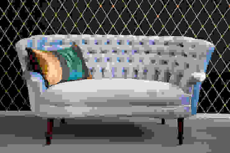 Sofa Pikowana: styl , w kategorii  zaprojektowany przez Juicy Colors,Klasyczny