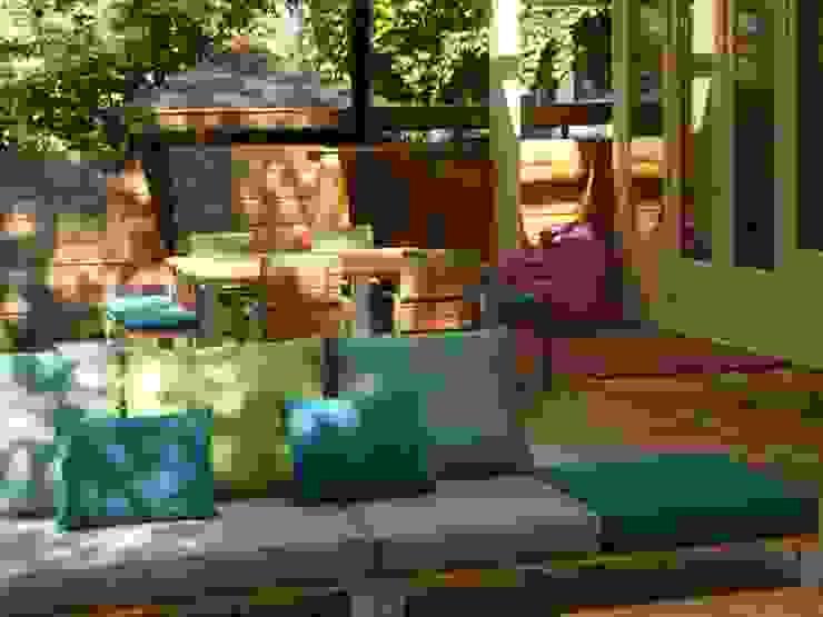 Inrichting privé terras: modern  door Vormad - Sittingimage, Modern