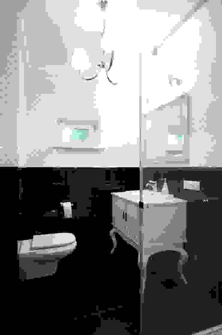 DOM POD LASEM Grzegorz Popiołek Projektowanie Wnętrz Wiejska łazienka