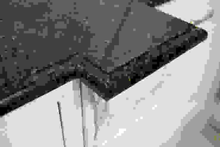 Blat kuchenny Verde Ubatuba Klasyczna kuchnia od GRANMAR Borowa Góra - granit, marmur, konglomerat kwarcowy Klasyczny