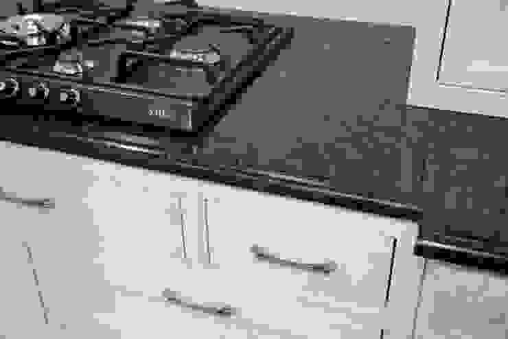 Verde Ubatuba - blat kuchenny Klasyczna kuchnia od GRANMAR Borowa Góra - granit, marmur, konglomerat kwarcowy Klasyczny