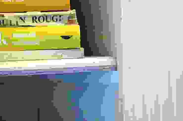 Biblioteczka w stylu francuskim. od GocaDesign Klasyczny