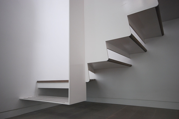 Staircase Detail Modern Corridor, Hallway and Staircase by homify Modern