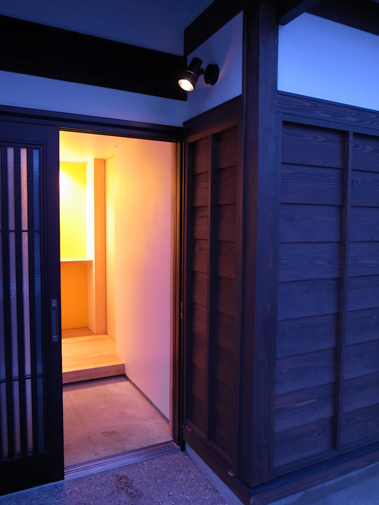 Entrance アジア・和風の 窓&ドア の ワダスタジオ一級建築士事務所 / Wada studio 和風