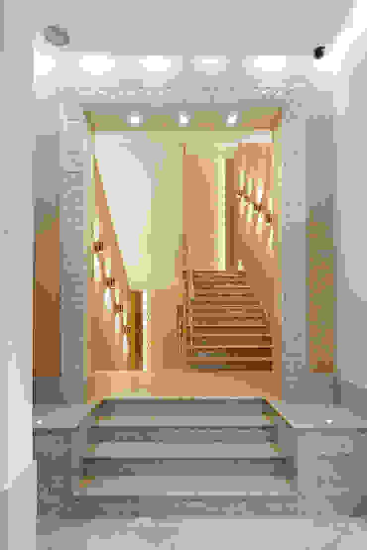 Резиденция в Горках 8 Коридор, прихожая и лестница в эклектичном стиле от дизайн-студия ZE-MOOV Эклектичный
