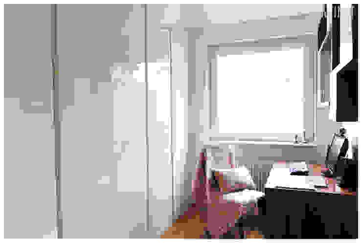 PRIVATE APARTAMENT 04 Eklektyczne domowe biuro i gabinet od PUFF Eklektyczny