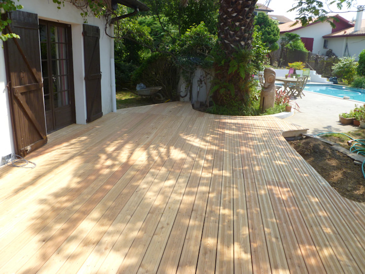 Patios & Decks by Atelier Etienne bois,
