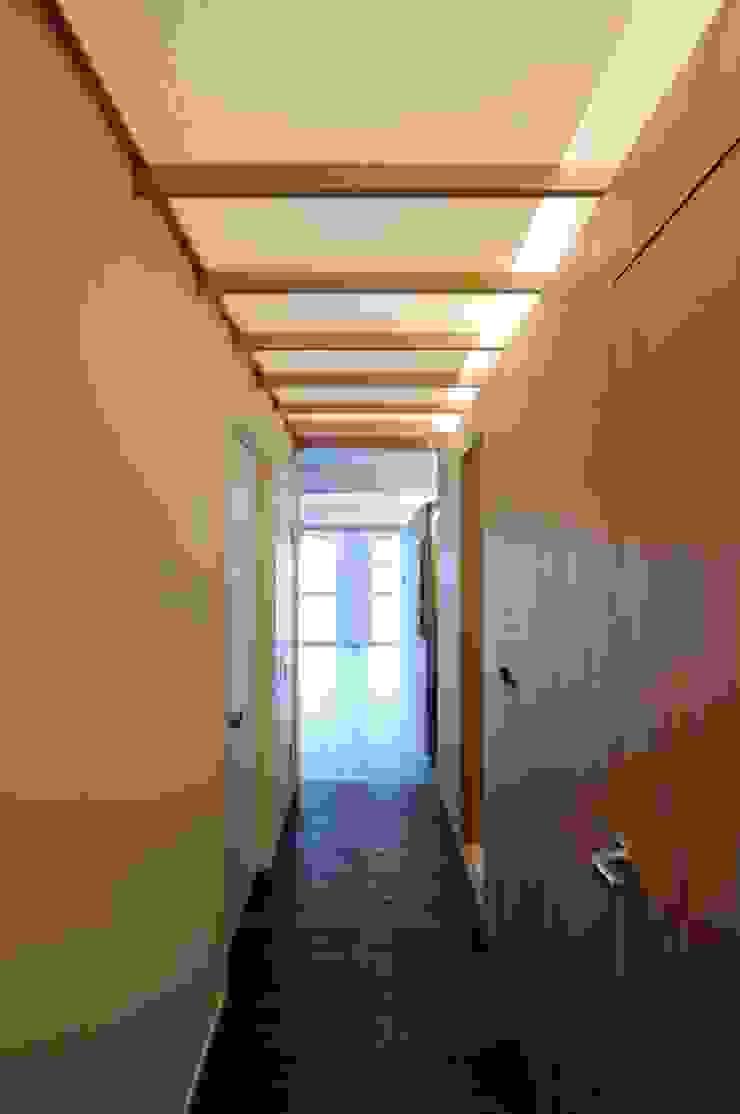 M-Room オリジナルスタイルの 玄関&廊下&階段 の ADS一級建築士事務所 オリジナル