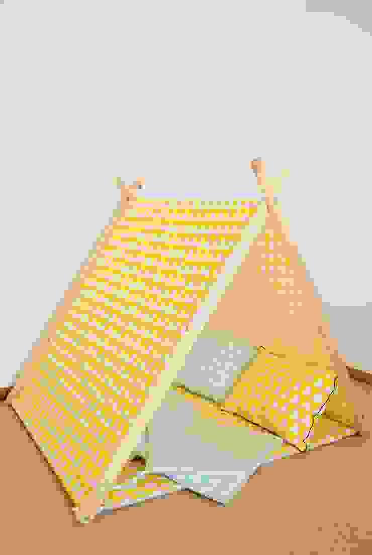 Domek namiot tipi żółte trójkąty od Lucky Kids Nowoczesny