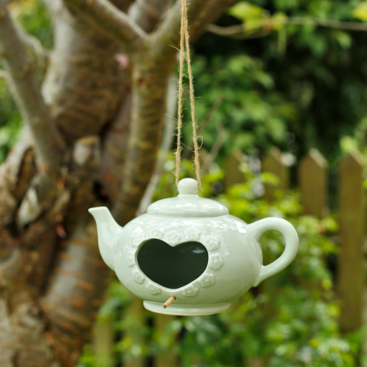 Teapot Bird Feeder por ELLA JAMES Clássico