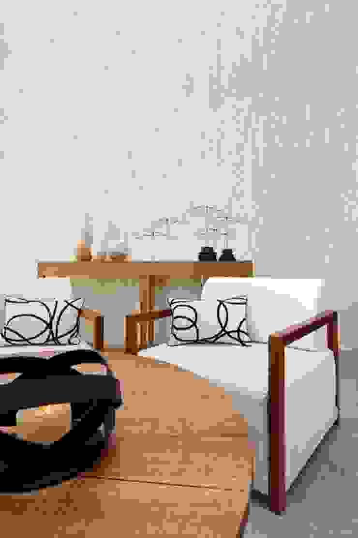 4 Duvar İthal Duvar Kağıtları & Parke – Uygulamalar: modern tarz , Modern