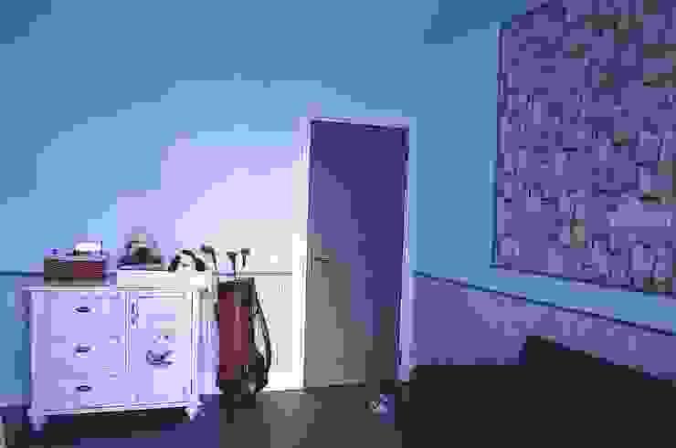 Нескучный серый Детская комнатa в классическом стиле от PichuginaDesign Классический
