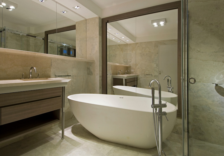 Modern style bathrooms by Estudio Sespede Arquitectos Modern