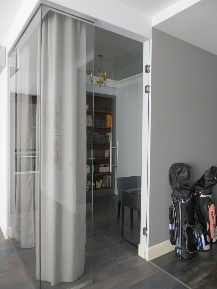 Нескучный серый Рабочий кабинет в эклектичном стиле от PichuginaDesign Эклектичный