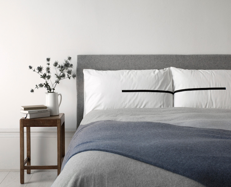 'Together' pillowcase set di Above and Beyond Minimalista