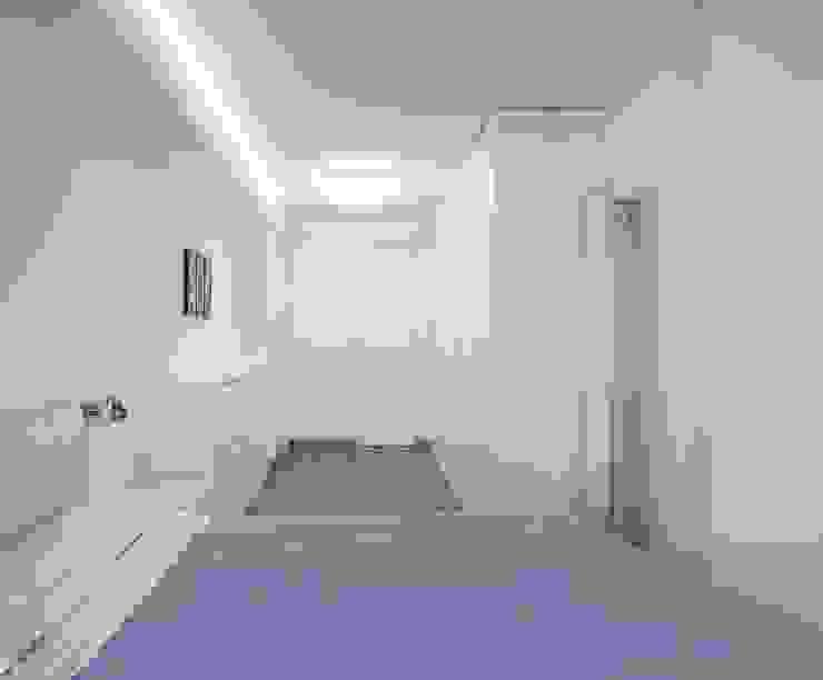 Dormitorio Principal LLIBERÓS SALVADOR Arquitectos Dormitorios de estilo minimalista