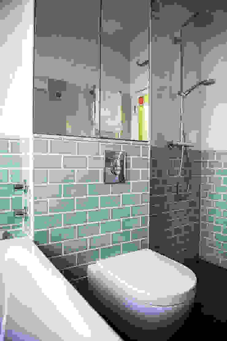 Creative Use of Space Blue Cottini Modern bathroom