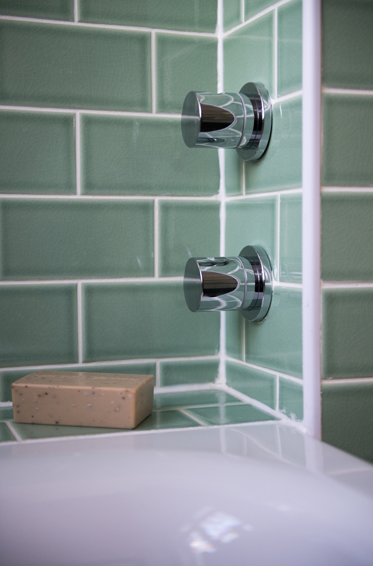 Contemporary taps Modern bathroom by Blue Cottini Modern