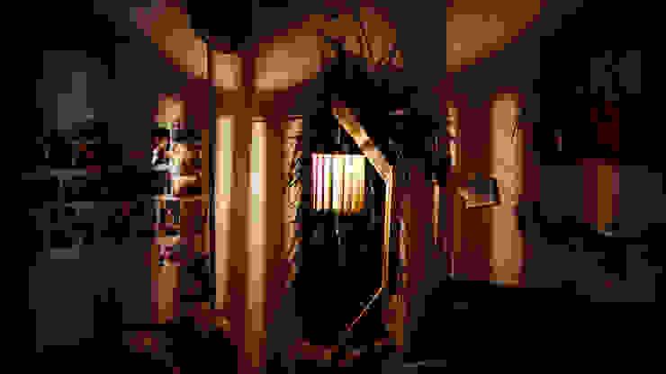 Lampadaire original en bois de palettes recyclées par creationsecopalettes Éclectique