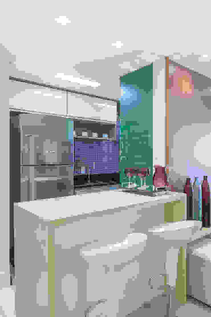 APARTAMENTO Cozinhas minimalistas por MARCY RICCIARDI ARQUITETURA & INTERIORES Minimalista