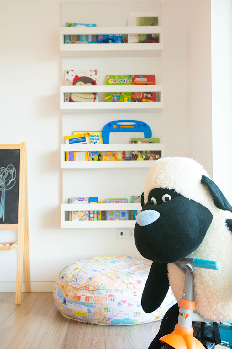 Quarto de Brincar Quartos de criança escandinavos por Ângela Pinheiro Home Design Escandinavo Madeira Acabamento em madeira