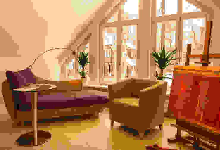Рабочий кабинет в стиле кантри от Haacke Haus GmbH Co. KG Кантри