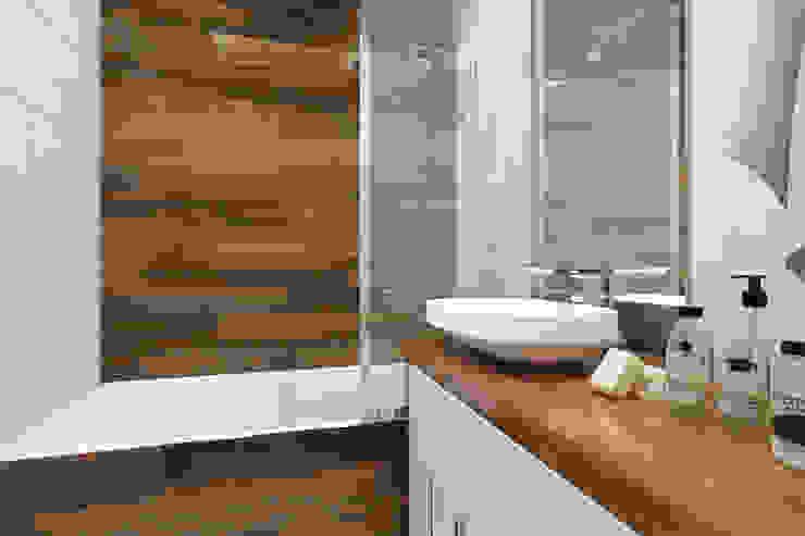 2-х комнатная квартира в Москве Ванная комната в стиле минимализм от Rustem Urazmetov Минимализм