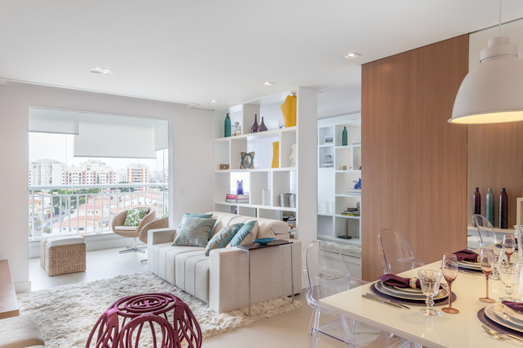 APARTAMENTO Salas de estar minimalistas por MARCY RICCIARDI ARQUITETURA & INTERIORES Minimalista