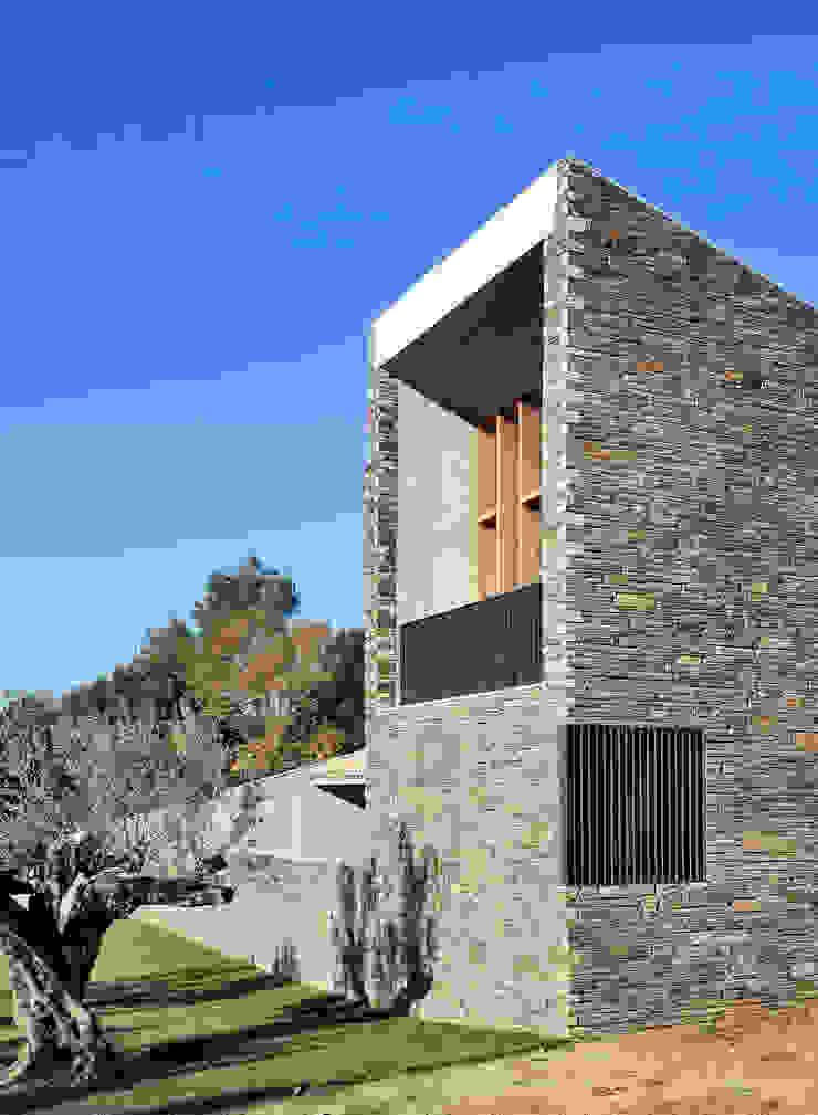 bellafilarquitectes Country style balcony, veranda & terrace