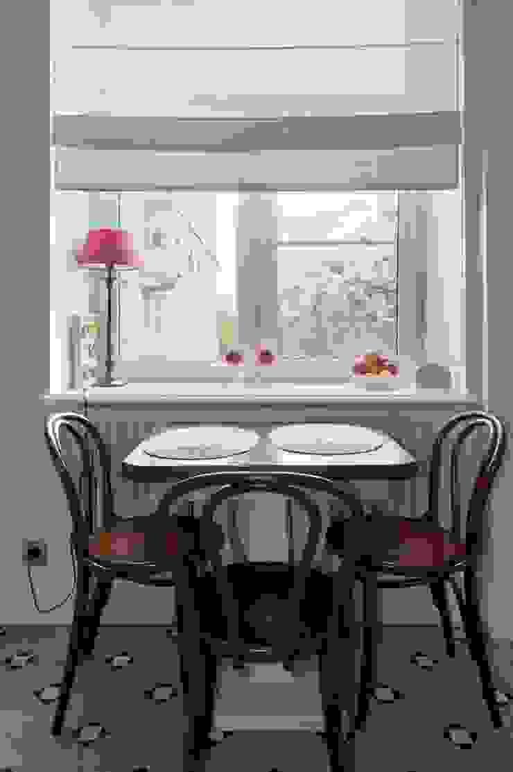 Квартира в сиреневых тонах Кухни в эклектичном стиле от ANIMA Эклектичный