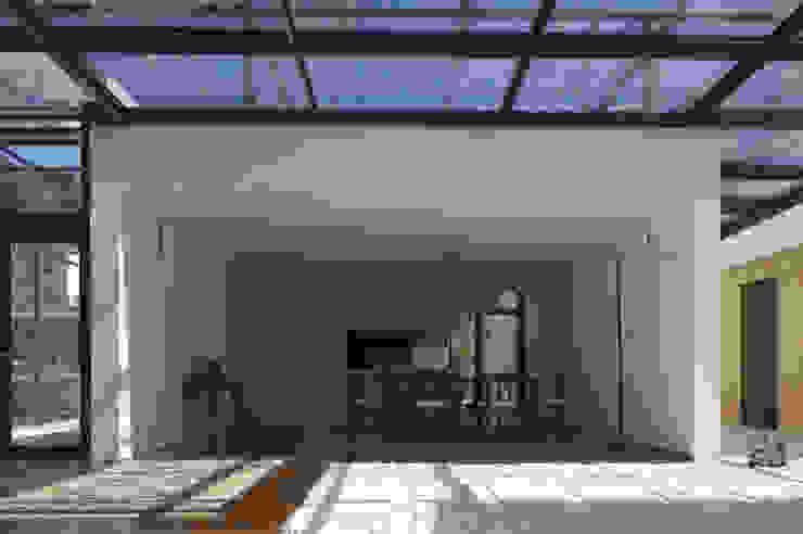 Casa I Salas de jantar modernas por A. BURMESTER ARQUITECTOS Moderno