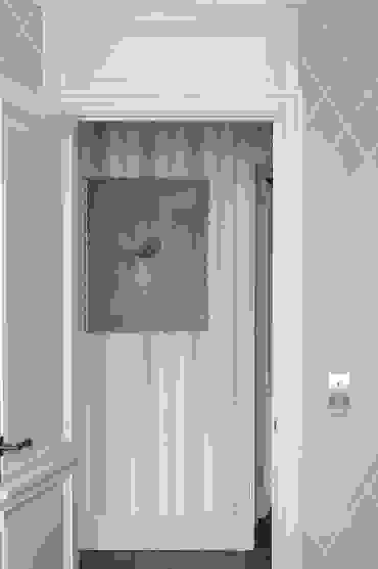 Квартира в сиреневых тонах Коридор, прихожая и лестница в модерн стиле от ANIMA Модерн