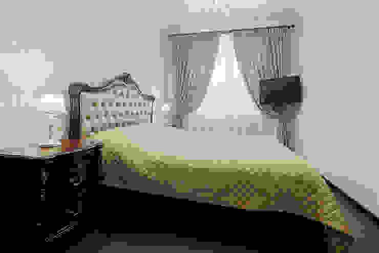 Дом в Дагомысе Спальня в классическом стиле от Креазон Классический
