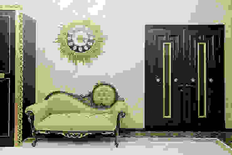 Дом в Дагомысе Коридор, прихожая и лестница в классическом стиле от Креазон Классический