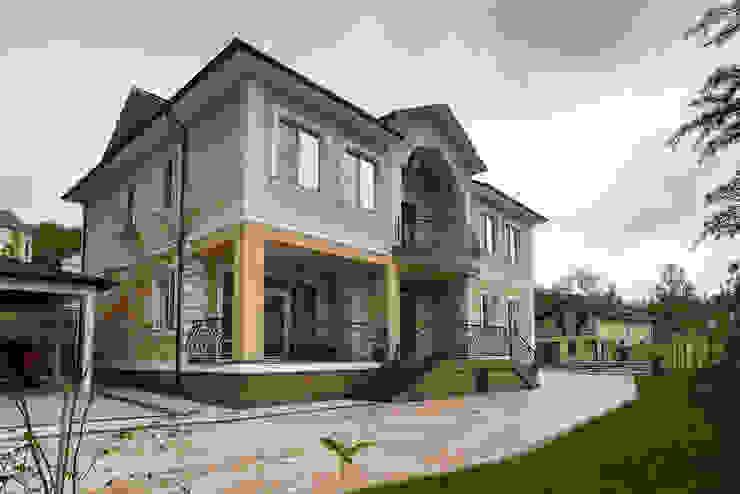 Дом в Дагомысе Дома в классическом стиле от Креазон Классический