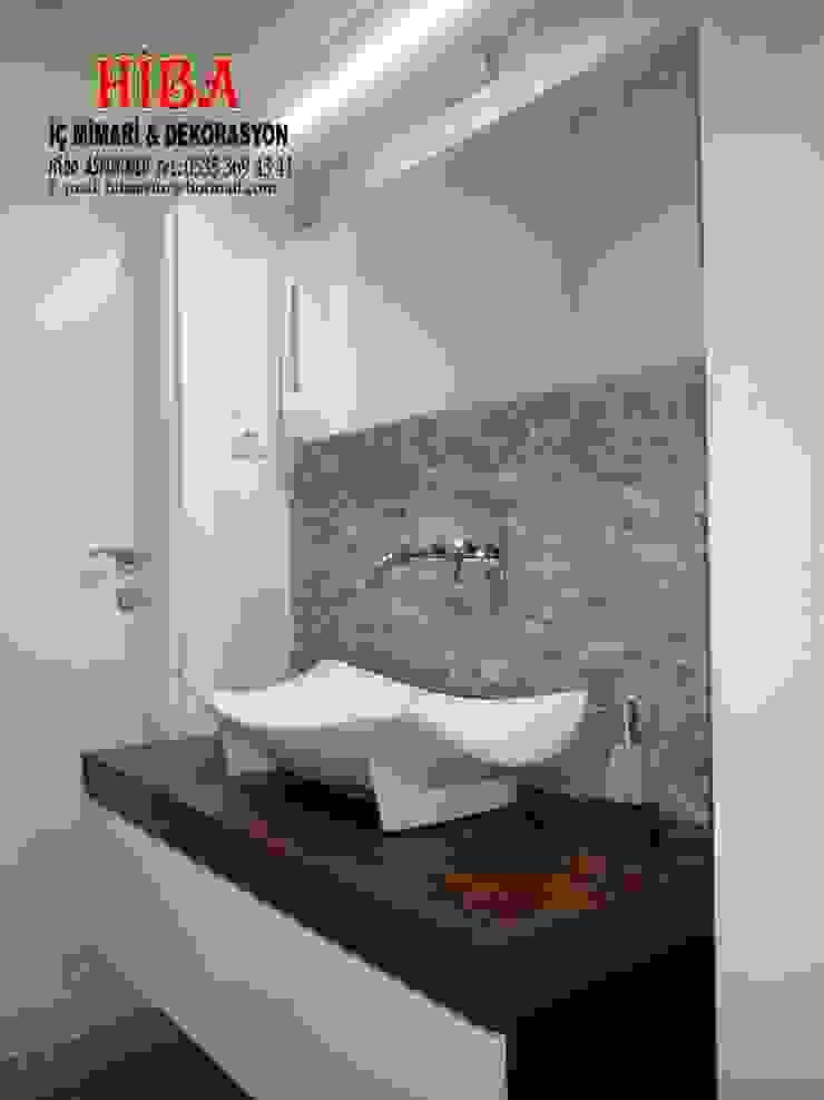 Baños de estilo moderno de Hiba iç mimarik Moderno