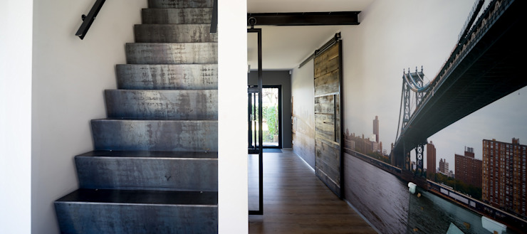 STAAAL:  Gang, hal & trappenhuis door Diem Metalstyling,