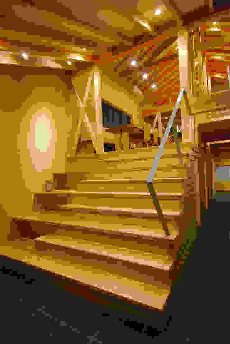 大階段ギャラリー カントリースタイルの 玄関&廊下&階段 の 豊田空間デザイン室 一級建築士事務所 カントリー 木 木目調